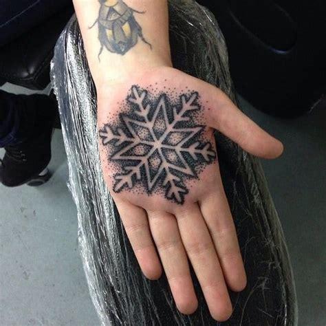 geometric tattoo liverpool 20 geometric and blackwork palm tattoos tattoodo