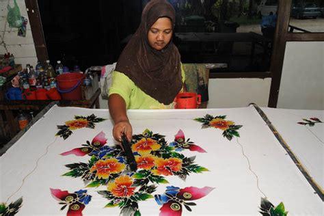 batik design of brunei traditional handdrawn batik