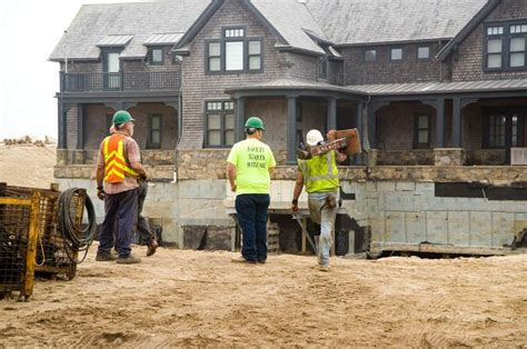 Chappaquiddick House Move The Vineyard Gazette Martha S Vineyard News Schifter House Move Underway