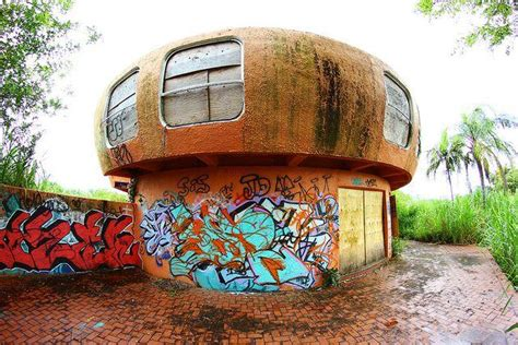 ufo house alien homes the ruins of florida s abandoned ufo house urban ghosts media