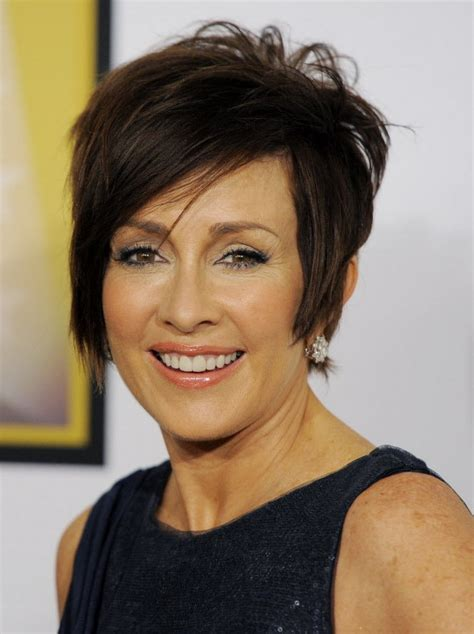 does patricia heaton wear a wig in the middle patricia heaton deals with fallout from her sandra fluke