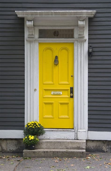 front door colors for yellow house 25 best ideas about yellow doors on pinterest yellow