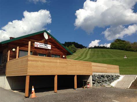 geländer holz terrasse mit holz galerie der seite naturholz traeume