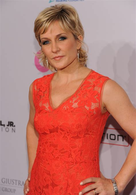 amy carlson amy carlson photos photos arrivals at elton john aids