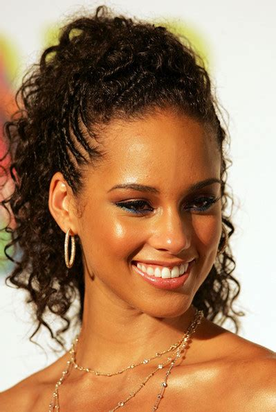 different hair styles from alicia keys alicia keys ponytail alicia keys long hairstyles looks