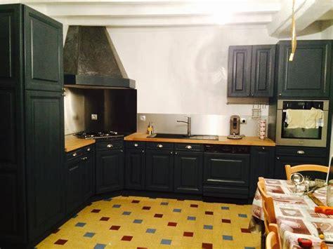 repeindre une cuisine en chene cuisine en chene repeinte en noir style bistrot housing