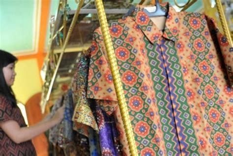 Patria Batik sadar hari batik masyarakat palembang pakai batik jupri republika