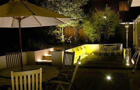 illuminare un giardino mettere le in giardino illuminazione giardino