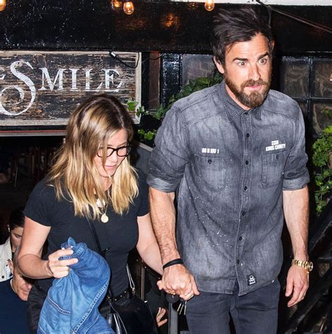 hair of the nyc justin theroux s hair giving jax teller vibe while out for dinner in nyc with