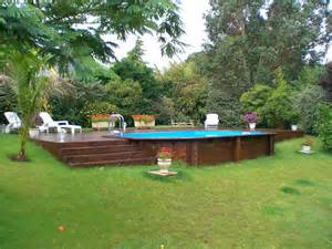 piscine hors sol en bois semi enterr 233 e sur terrain en