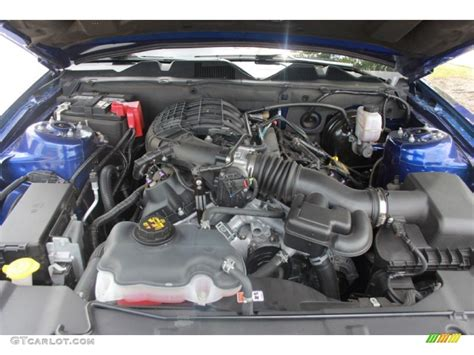 2013 mustang v6 engine 2013 ford mustang v6 coupe engine photos gtcarlot