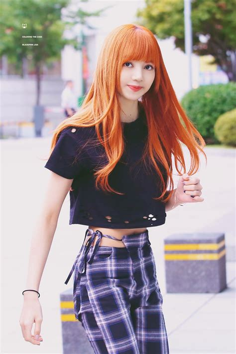 lisa off la hair is she man or woman those weird pants that only lisa can pull off kpop