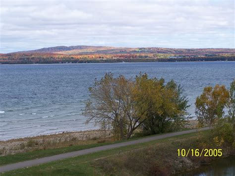 crooked lake boat r petoskey waterfront condo on crooked lake boat dock incl