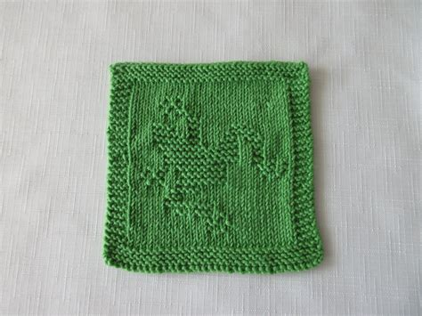 knitting patterns for baby washcloths baby washcloth frog knit