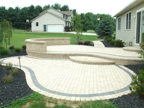 B.T Klein?s Landscaping   Hardscapes   Patios