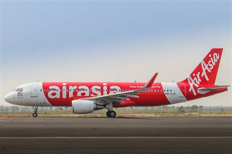 airasia airbus a320 airasia wants to take on amazon and international banking
