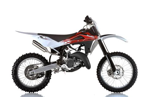 125 motocross bikes 2013 husqvarna cr125 reviews comparisons specs