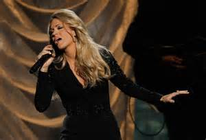 Carrie underwood performs a medley of songs at the 47th country music