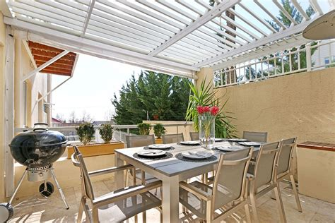 self catering two bedroom apartment in sea point