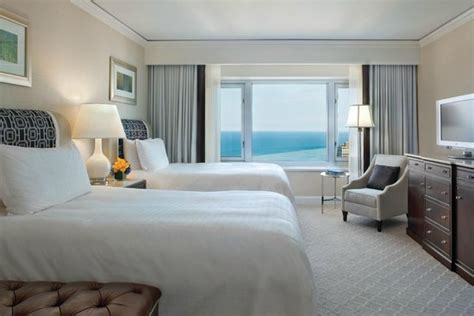 lake view room picture of four seasons hotel chicago
