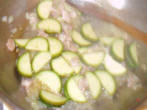 zucchine cucinare penne zucchine e pancetta pennette pasta zucchine pancetta