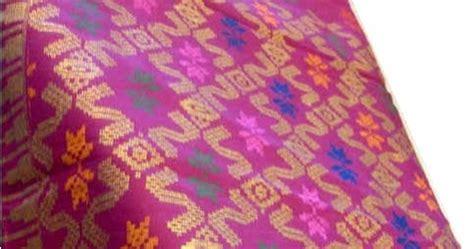 Bintang Merah Bali kain bali motif bintang kilat kain dan mukena bali