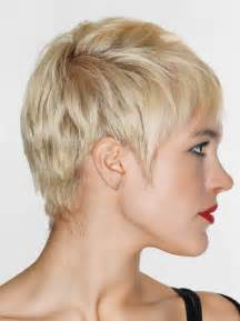 hair cut triangle shape hair style for triangular face women