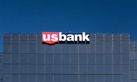 lus bank u s bank puts visa corp cards on apple pay pymnts
