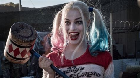harley quinn a celebration 1401275990 squad set photographer celebrates oscar win with new harley quinn photo batman news