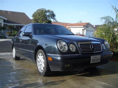 97 Mercedes E320 fs 97 mercedes e320 w211 midnight blue black 156k