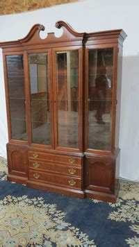 Hickory China Cabinet Breakfront Mahogany Hickory China Cabinet Breakfront Mahogany Dining Room Set