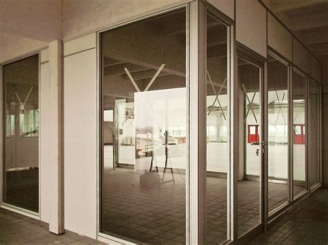 pareti vetro ufficio uffici con pareti mobili in vetro integrabili con pareti