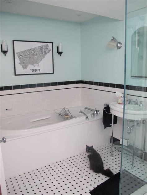 Deco Bathroom Tiles Uk by Best 25 Blue White Bathrooms Ideas On Toilet