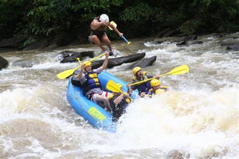 extreme backyard adventures extreme picture of outdoor adventure rafting ocoee