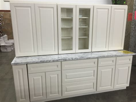 raised panel maple cabinets white maple raised panel kitchen cabinets
