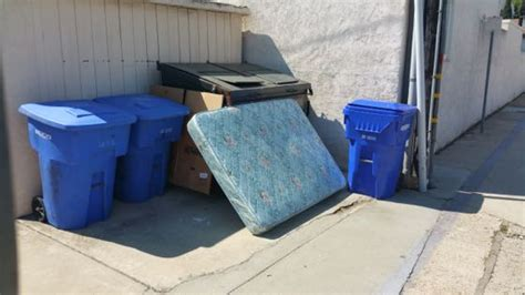 Mattress Removal San Diego by Mattress Up In Coronado Fred S Junk Removal