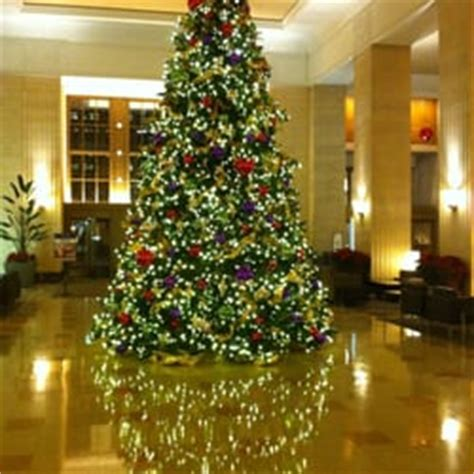 5800 n clark christmas trees chicago yelp the merchandise mart centros comerciales near side chicago il estados