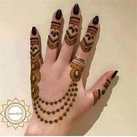 henna tattoo artist salary vedika gajjar mehandi artist erumkhan