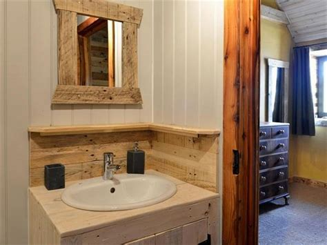 pallet wall bathroom using old pallets for bathroom pallet wood projects
