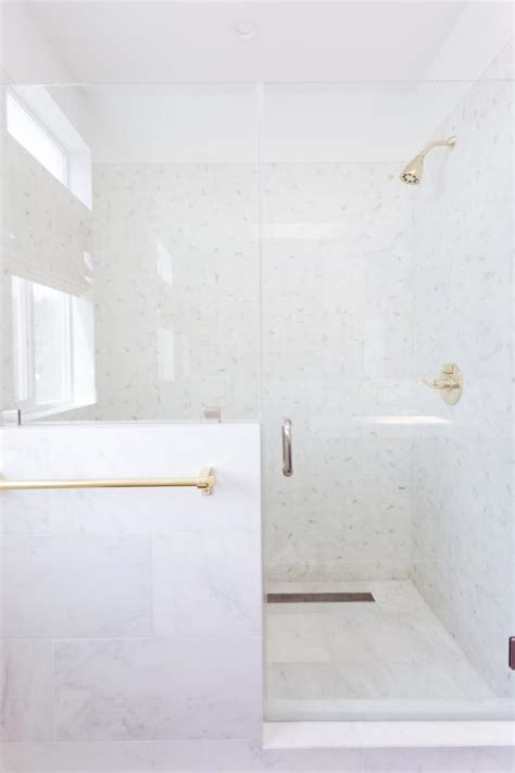 clean soap scum  shower doors diy