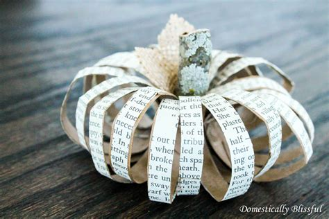 paper roll pumpkins