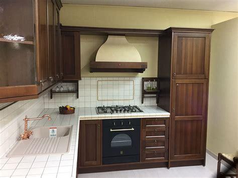 cucine berloni prezzi cucina classica berloni lirica in offerta cucine a