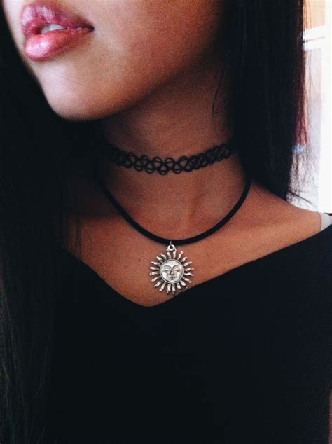 pinterest tattoo necklace luv this pair pair of necklaces a tattoo choker and a
