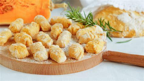 cucinare i gnocchi come cucinare gli gnocchi di zucca la cucina italiana