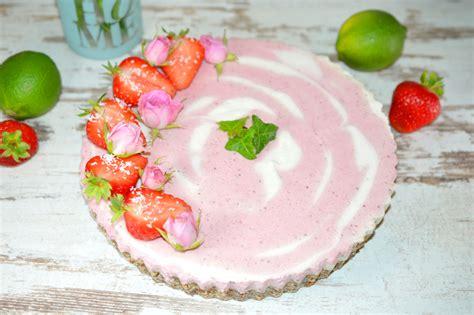 erdbeer quark kuchen ohne backen erdbeer quark mandel torte ohne backen rezept ohne zucker