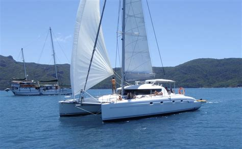 catamaran whitsundays charter on ice yacht charter whitsunday holidays