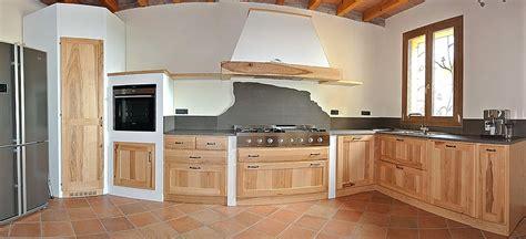 Cucina E Legno by Cucina Legno Grezzo 41 Images Legno Marmi E Cotto