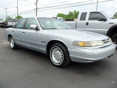 how to sell used cars 1995 ford crown victoria spare parts catalogs davis auto sales photos for 1995 ford crown victoria lx