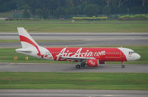 airasia wiki indonesia file indonesia airasia airbus a320 216 pk axc sin 07 08