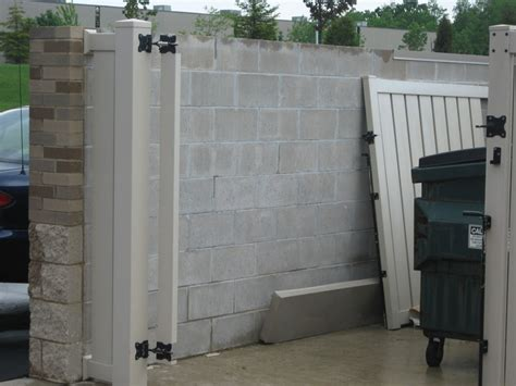 dumpster enclosures for businesses in the milwaukee wi area